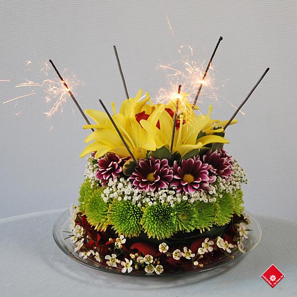 g teau floral pour anniversaire montr al le pot de fleurs. Black Bedroom Furniture Sets. Home Design Ideas