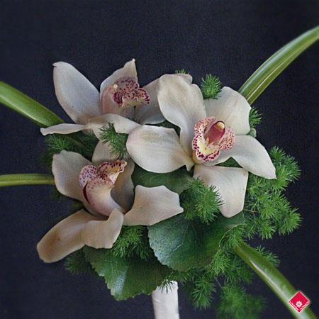bouquet pour demoiselle d honneur montr al le pot de fleurs. Black Bedroom Furniture Sets. Home Design Ideas