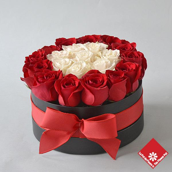 Fleuriste montr al roses bouquet de roses le pot de fleurs for Bouquet de fleurs dans une boite