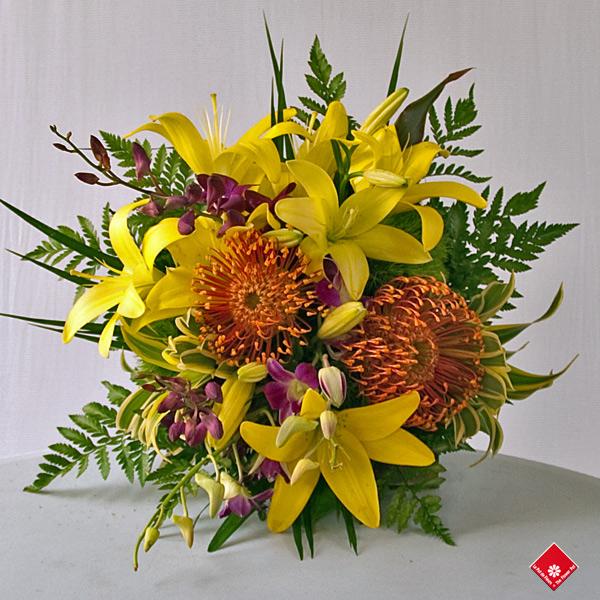 Bouquet De Fleurs Tropicales Sign 233 Votre Fleuriste 183 Le Pot De Fleurs
